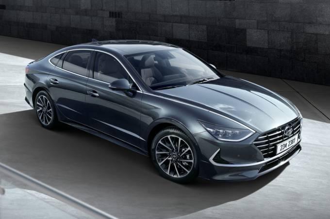 Large-35792-HyundaiMotorSharesFirstGlimpseofAll-NewSonata