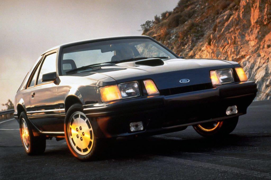 Mustang SVO conseguia unir desempenho, comportamento dinâmico e consumo menor que o dos V8