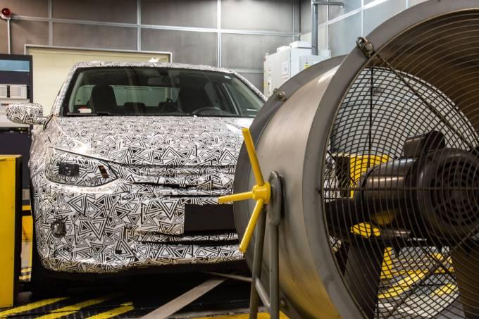 Chevrolet Onix Sedan desenvolvimento 1
