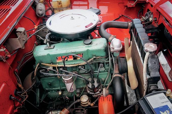 Motor do Opala Caravan SS 1980, da Chevrolet.