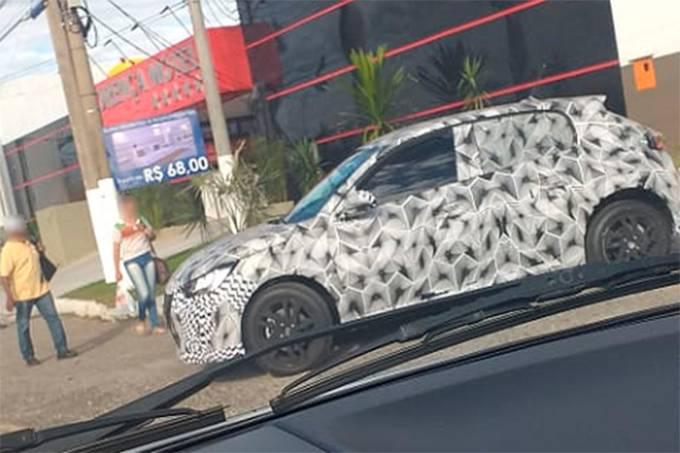 Flagra Peugeot 208 Brasil