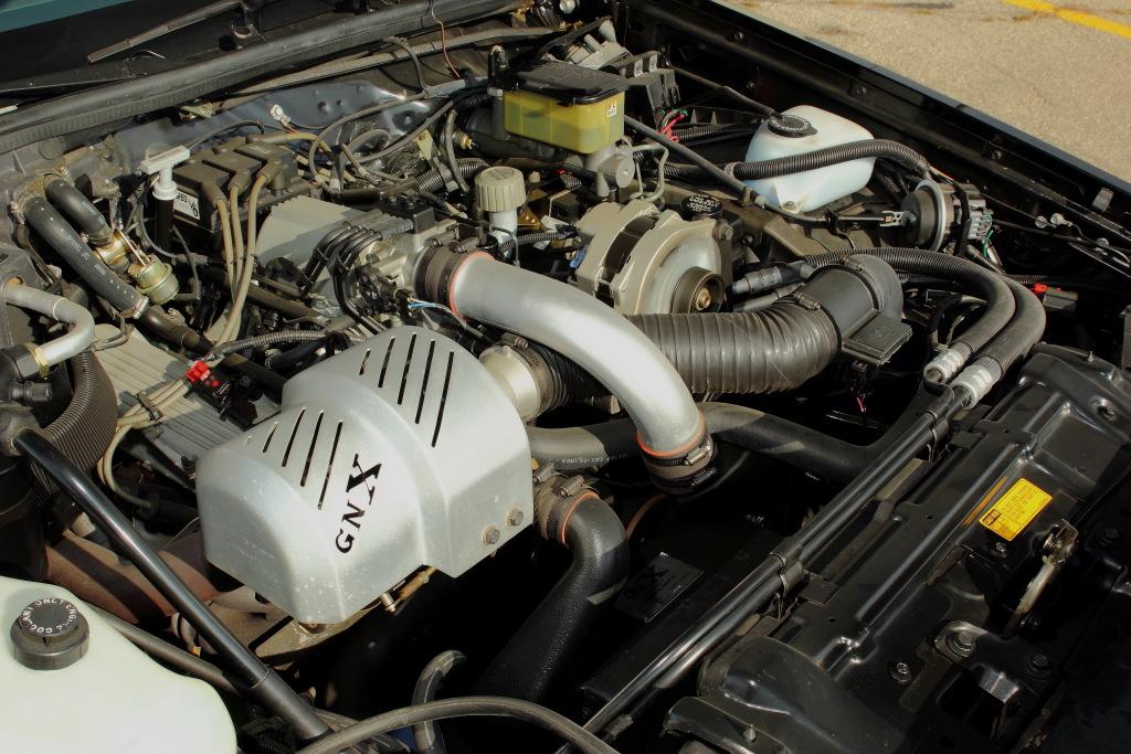 Até mesmo o turbocompressor foi modificado pela McLaren