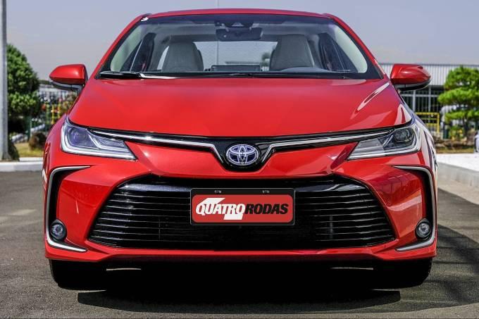 Corolla Altis Premium Hybrid 56