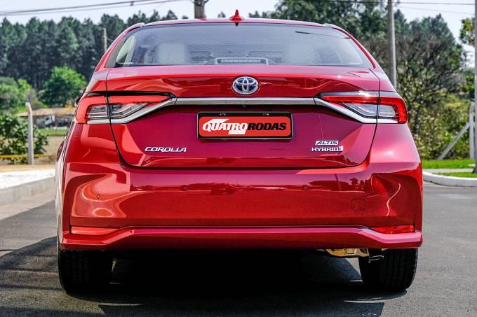 Corolla Altis Premium Hybrid 57