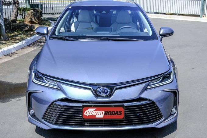 Corolla Altis Premium Hybrid 59