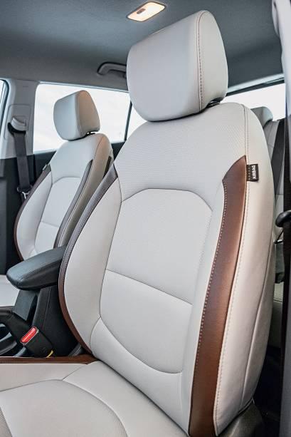 Hyundai Creta Prestige tem banco do motorista ventilado