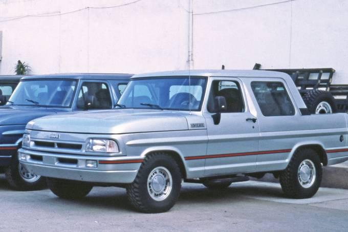 Picapes F-1000 transformadas. 1989