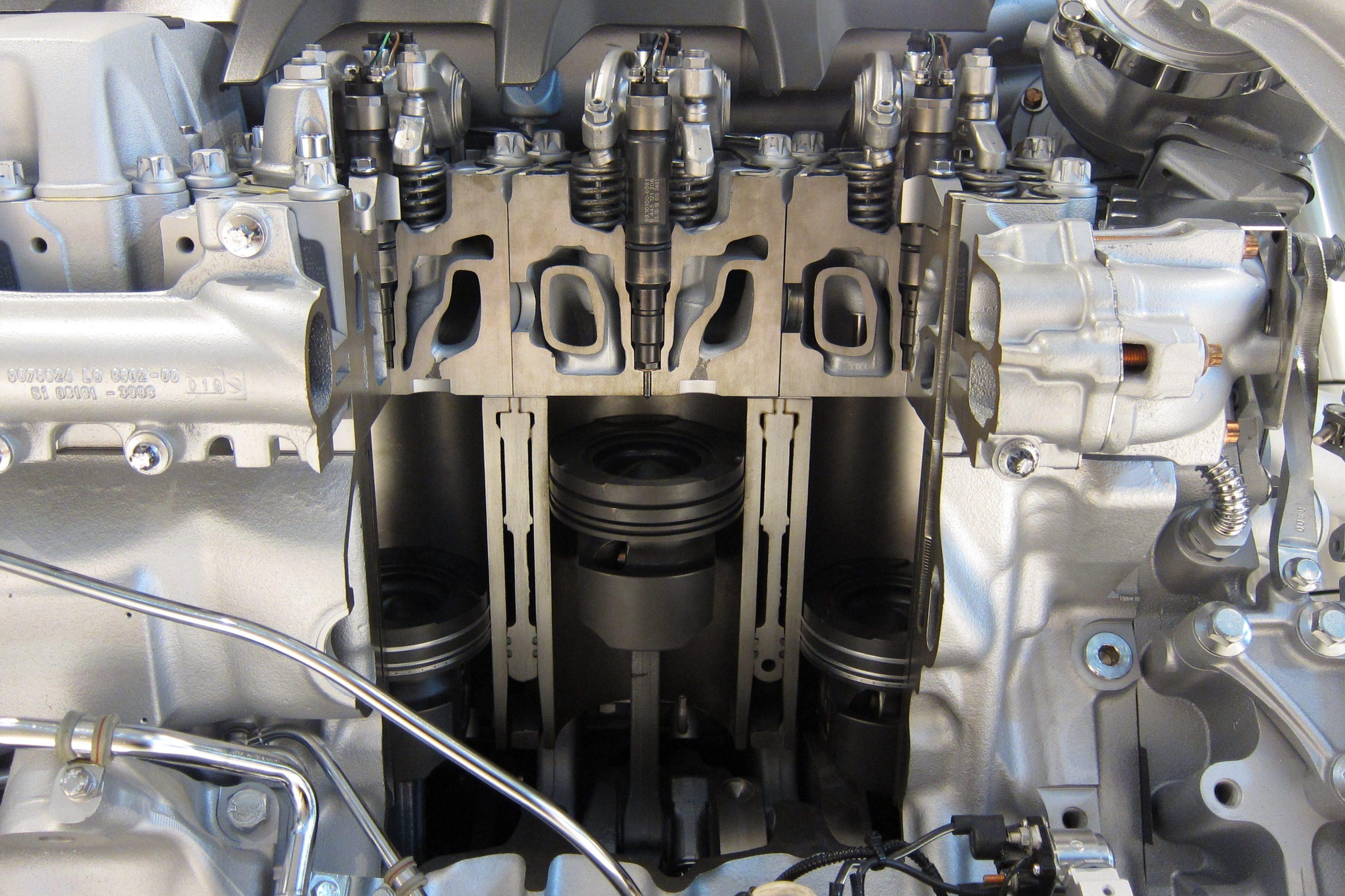 Nos motores a diesel não há vela de ignição, mas sim, incandescente