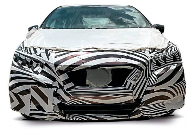 Flagra Nissan Versa