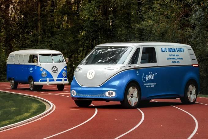 O encontro das VW Kombi do passado e do futuro