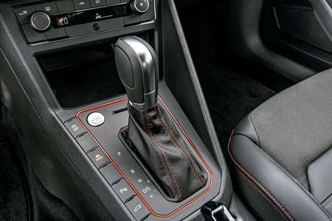 Renault Sandero RS Volkswagen Polo GTS