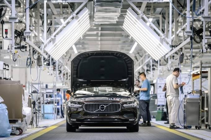 Fábrica da Volvo na China