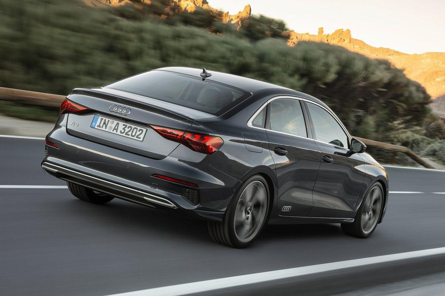 Novo Audi A3 Sedan E Um Golf Com Grife Tres Volumes E Farois Inteligentes Quatro Rodas