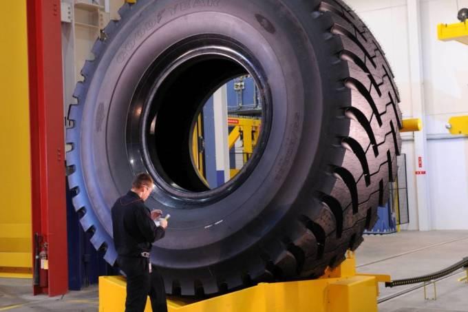 goodyear pneu gigante