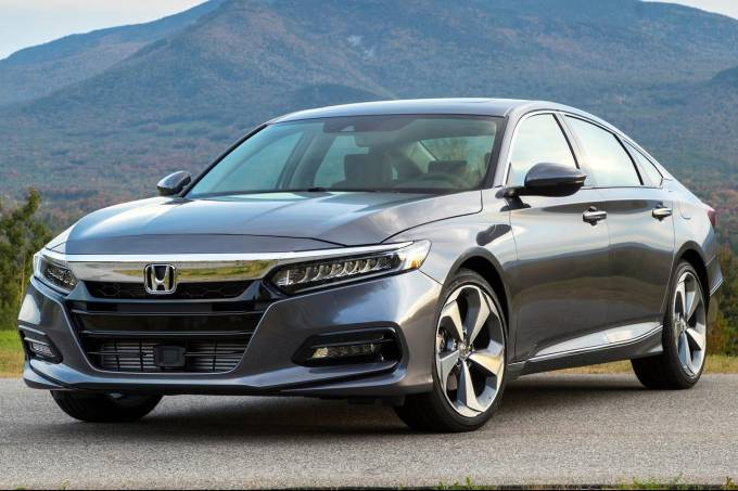 Honda-Accord-2018-1600-01