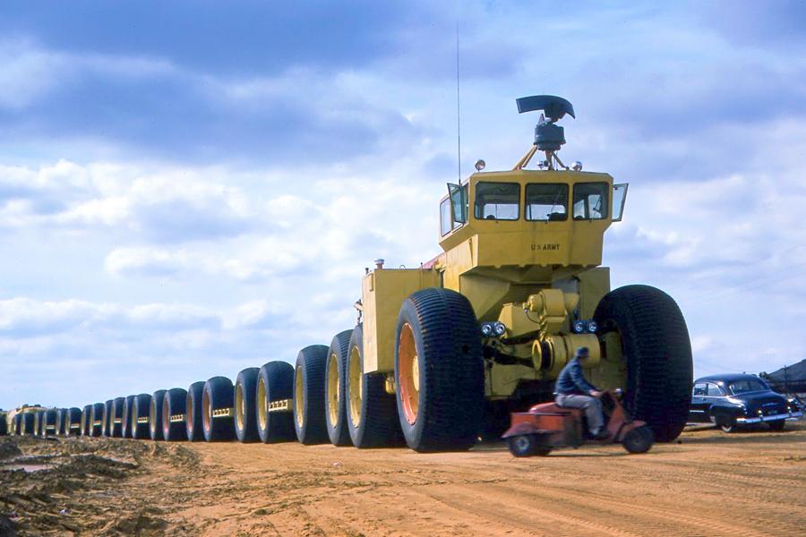 Maior veículo off-road do mundo tinha 173 metros e rodava de pneus murchos