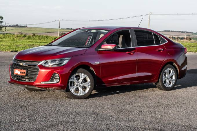 Chevrolet Onix Plus compara 735 (1)