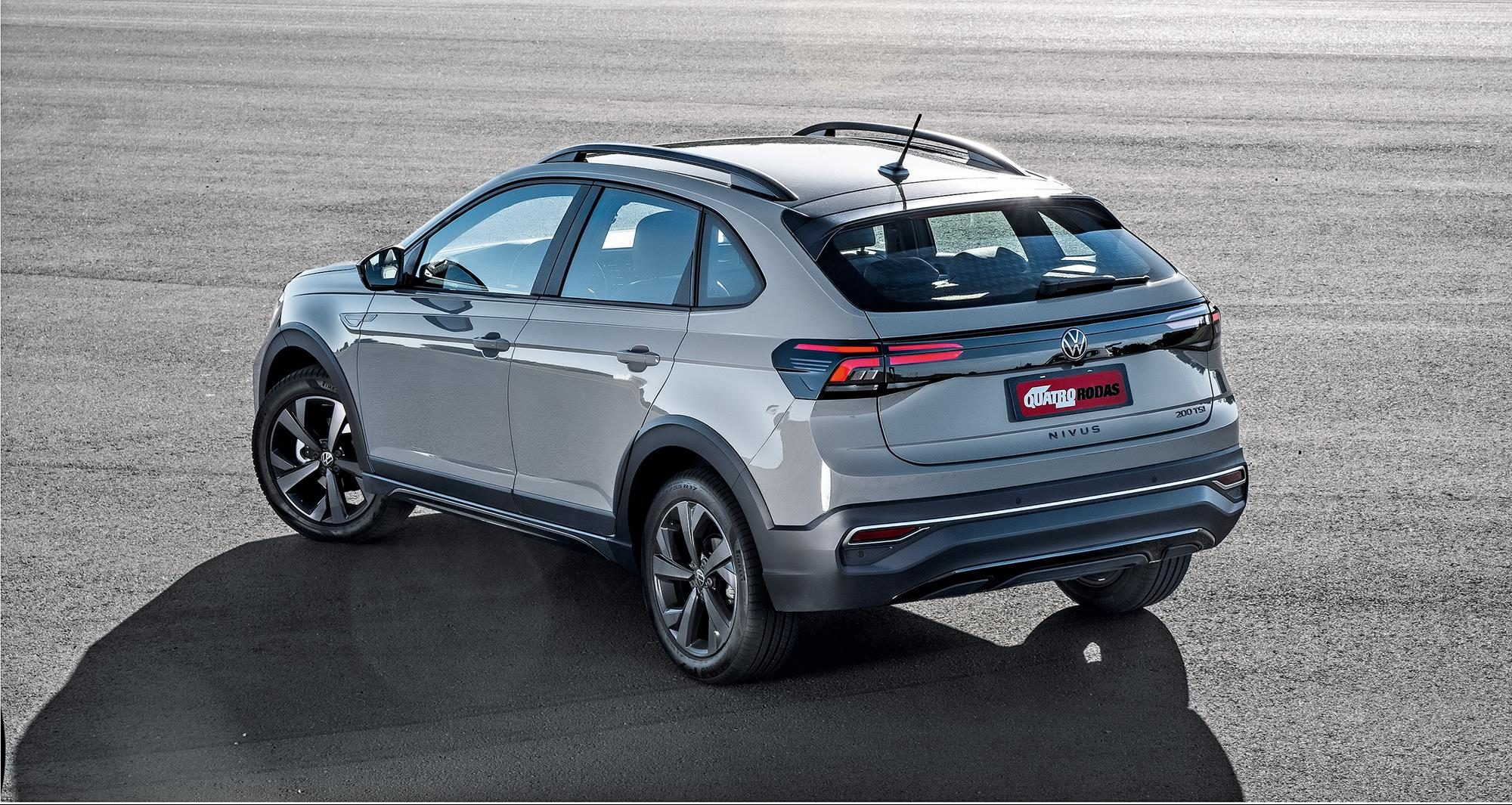 Traseira do Volkswagen Nivus cinza