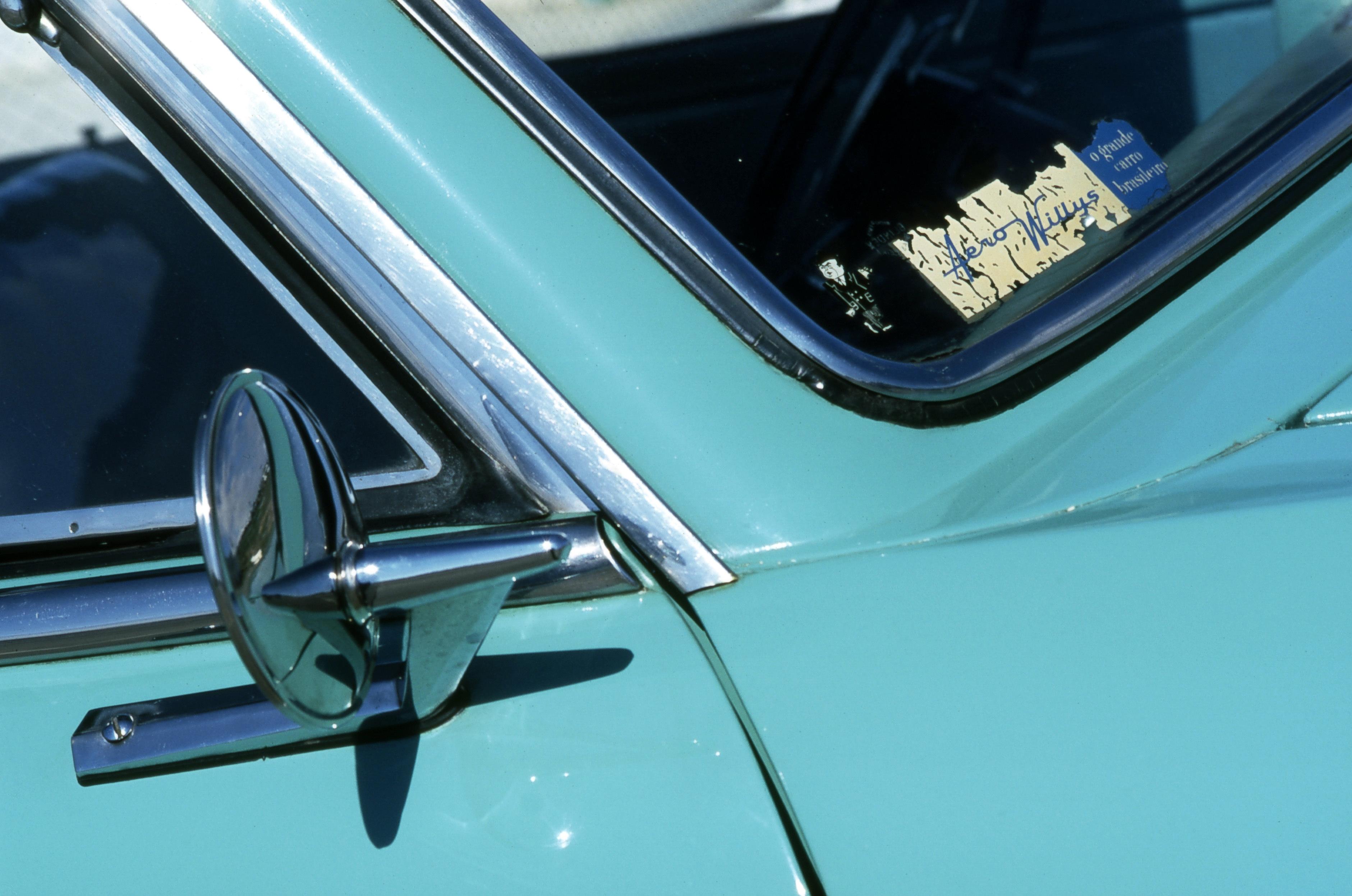 Espelho retrovisor do Aero Willys 2600, da década de 60, da Willys.