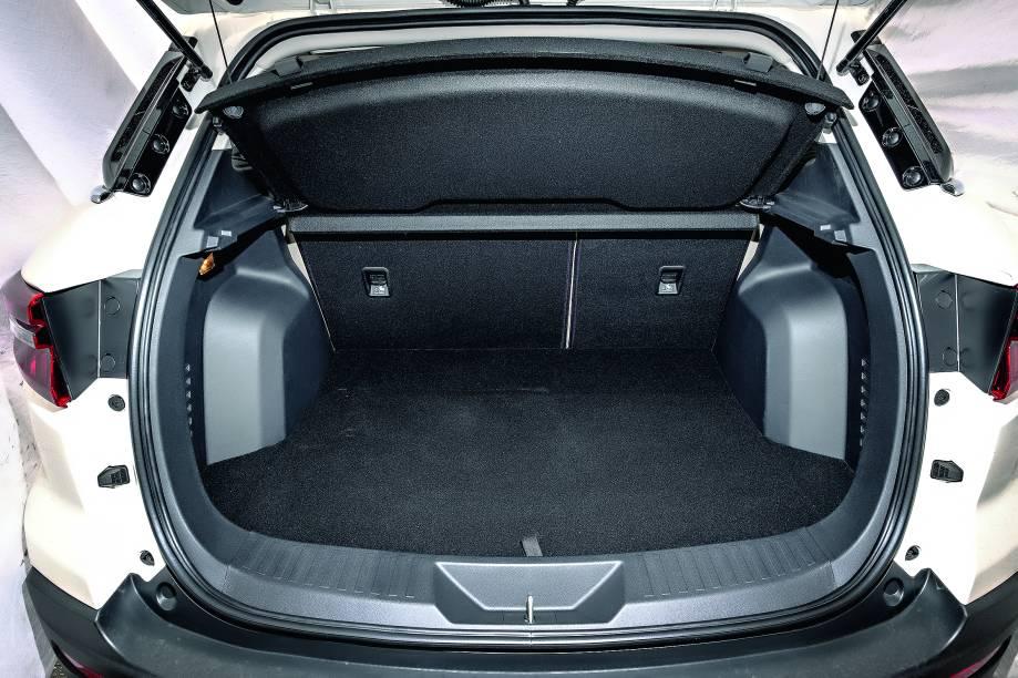 Porta-malas tem capacidade para 420 litros