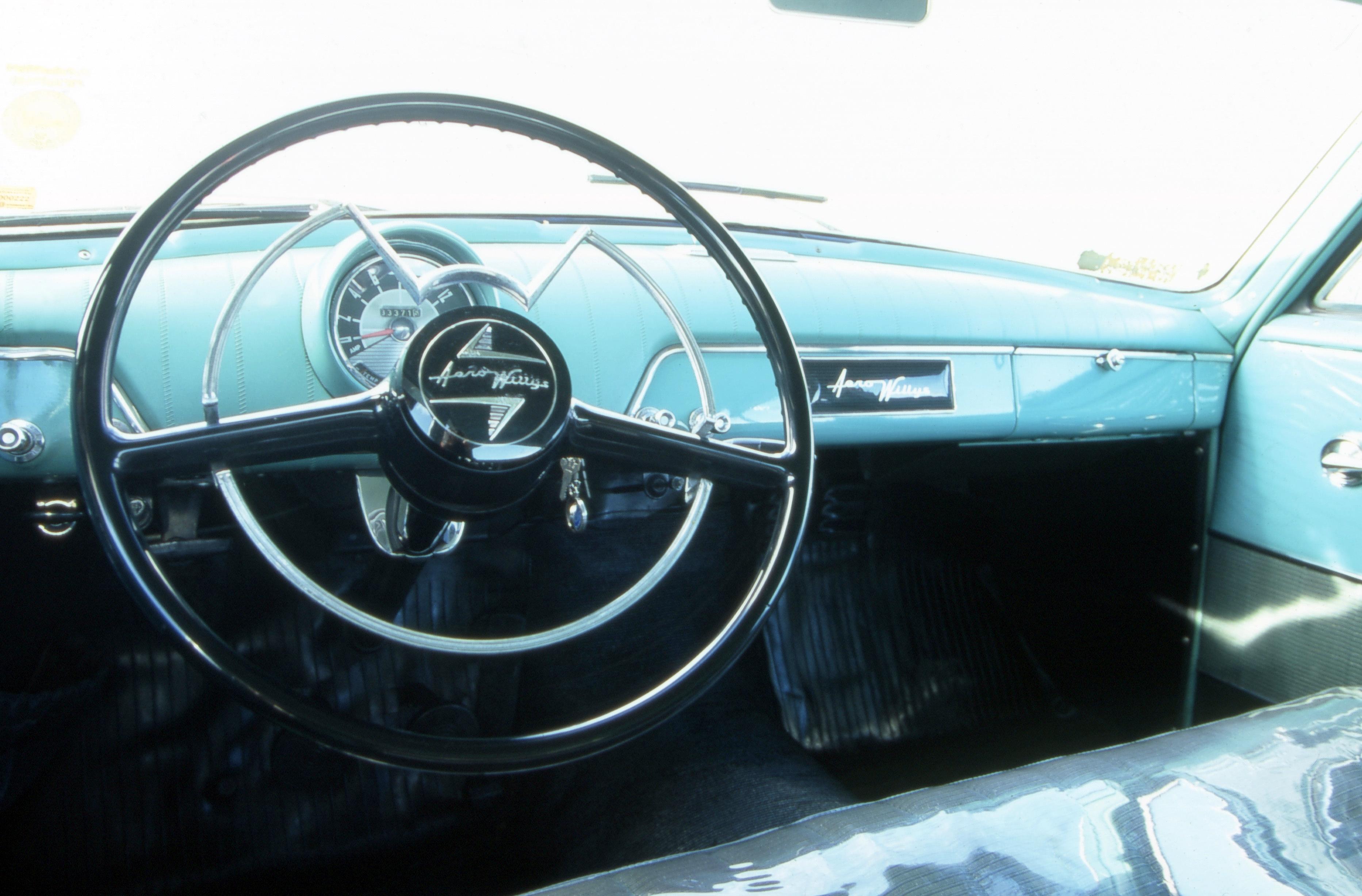 Interior do Aero Willys 2600, da década de 60, da Willys.