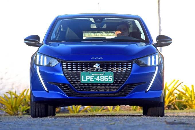 Novo-Peugeot-208-1.6-2021-11