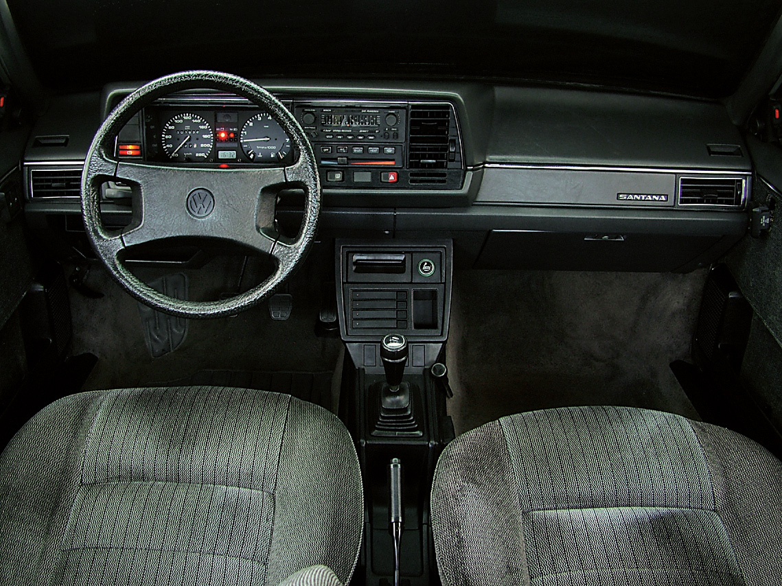 Painel do Santana GLS, modelo 1989 da Volkswagen, testado pela revista Quatro Rodas.