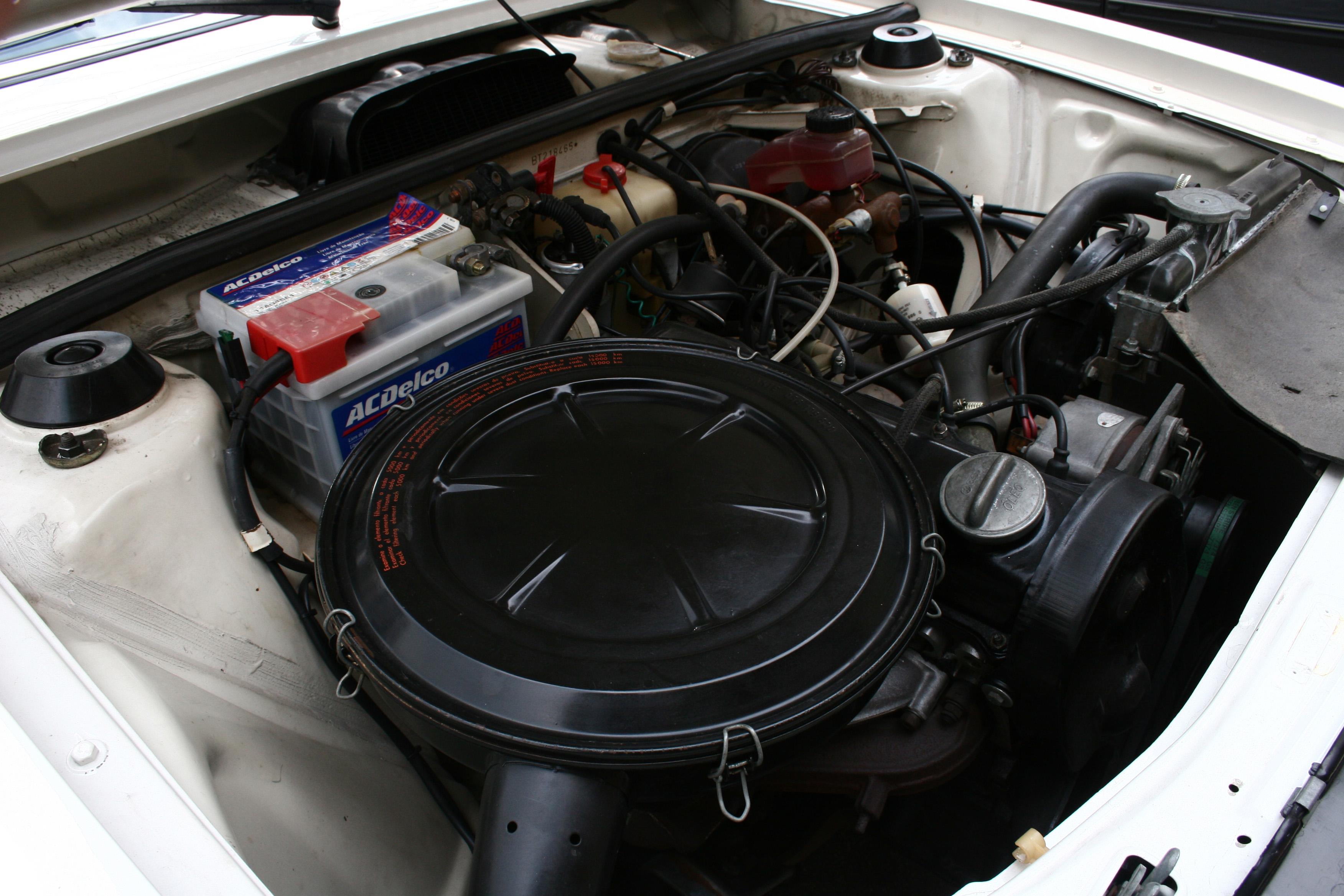 Motor do Passat TS, modelo 1978 da Volkswagen, testado pela revista Quatro Rodas.