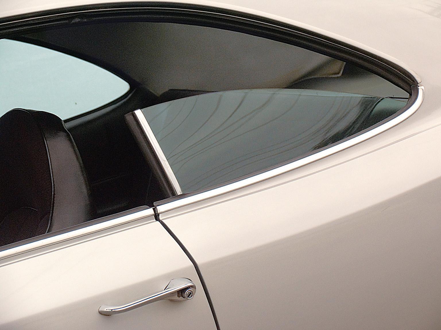 Janela traseira do Opala SS, modelo 1976 da Chevrolet, testado pela revista Quatro Rodas.