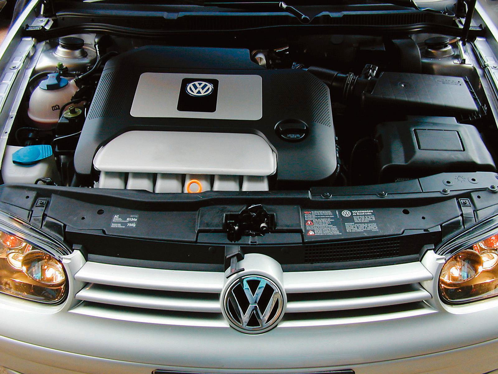 Motor do automóvel Golf GTI VR6, modelo 2003 da Volkswagen, testado pela revista Quatro Rodas.
