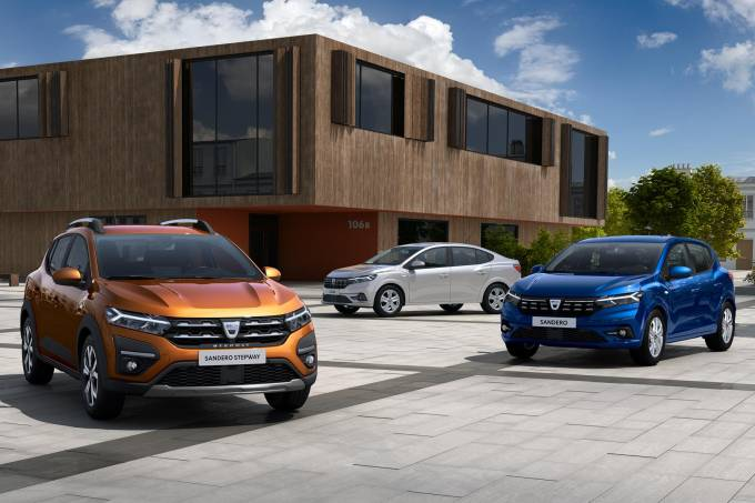 New Sandero SanderoStepway and Logan 2021 (7)