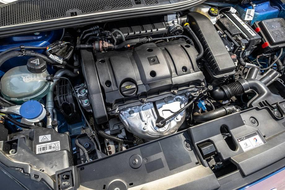 Motor 1.6 16V é ponto, literalmente, fraco do 208. Mas seu consumo não é ruim