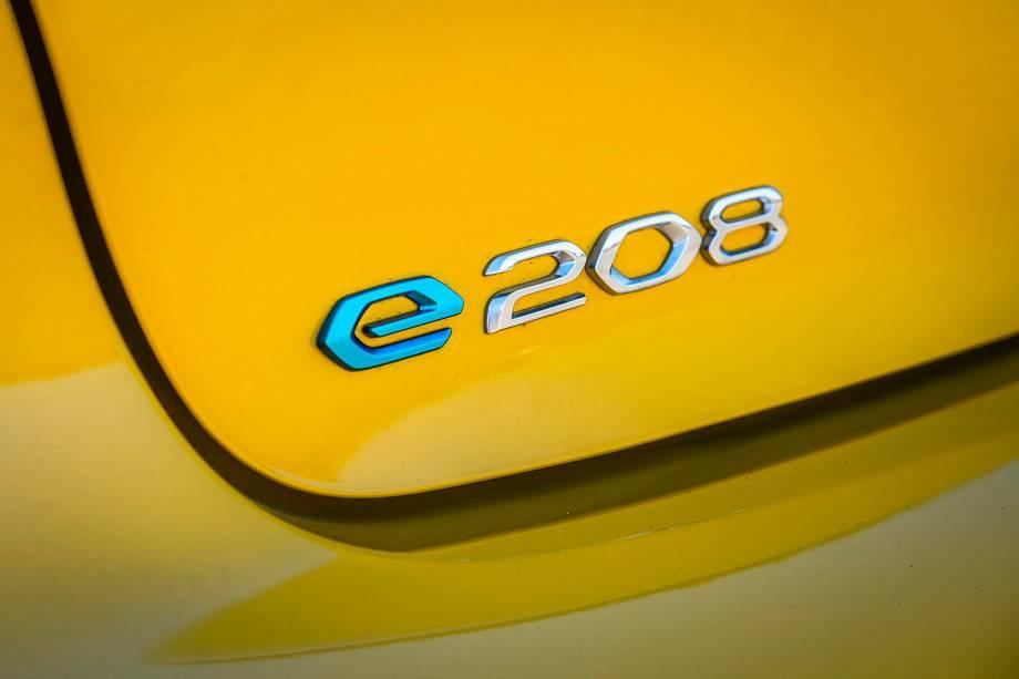 A Peugeot chama de 208 e-GT no Brasil, mas na Europa o nome é e-208 GT