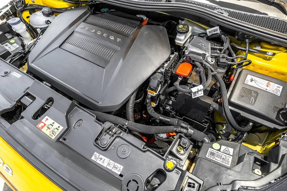 Conjunto elétrico se passa por um motor a gasolina facilmente
