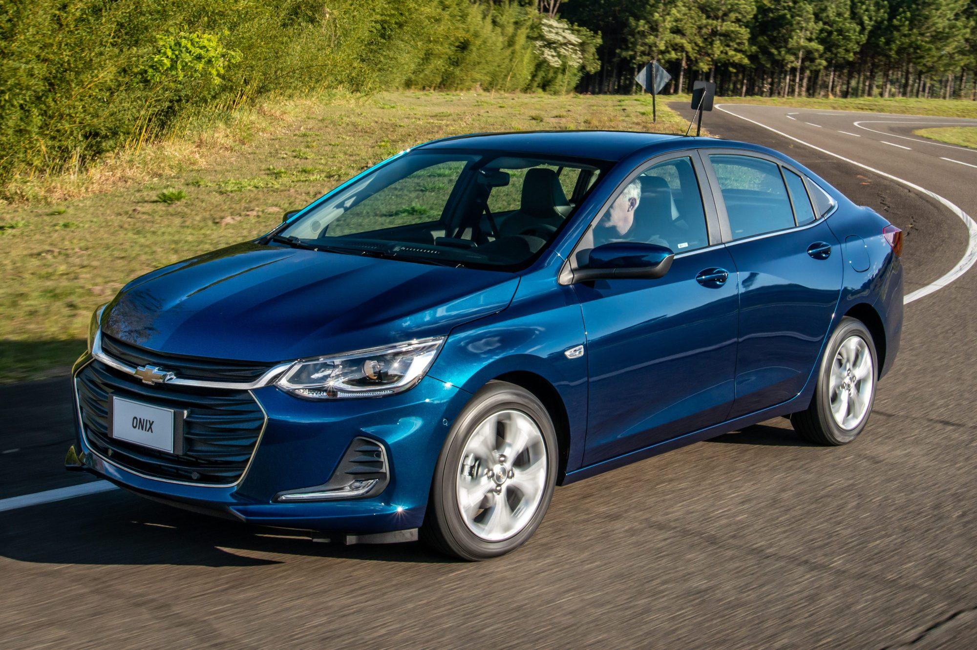 Exclusivo: Chevrolet Onix e Onix Plus perderam equipamentos na linha 2021