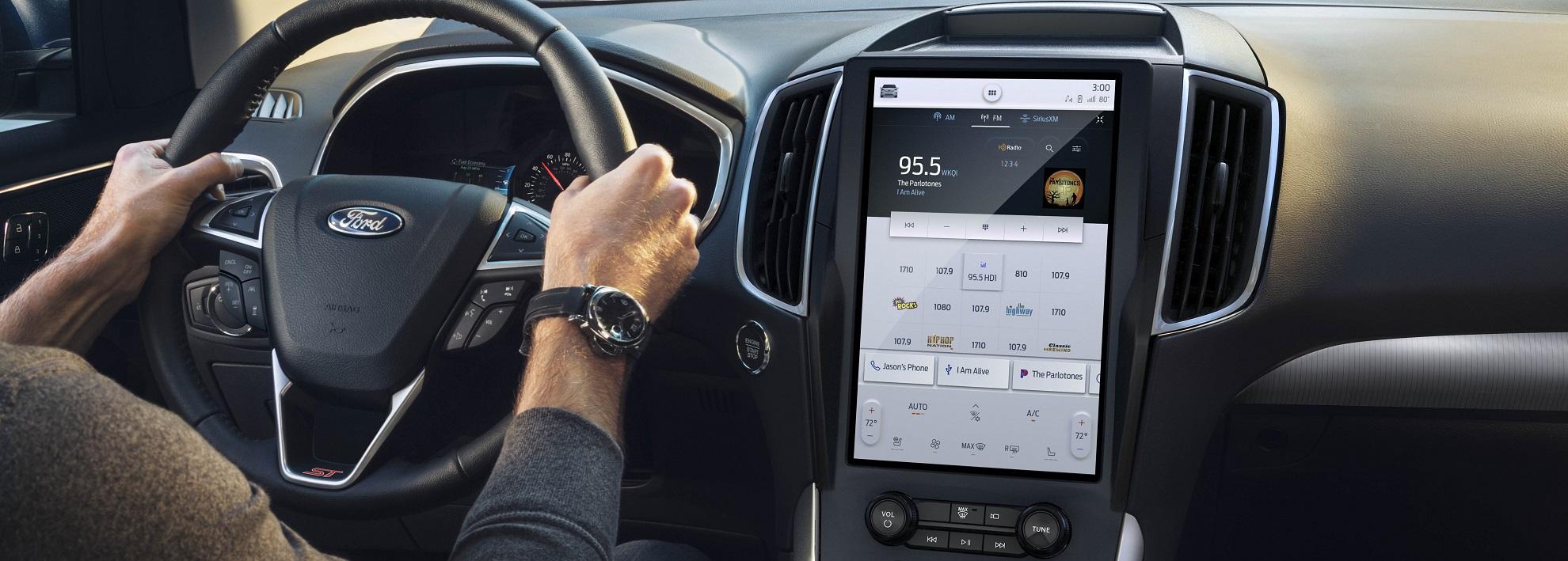 Se a Ford não consegue mais aumentar a tela do Edge, que tal ampliar a presença do Android no veículo?