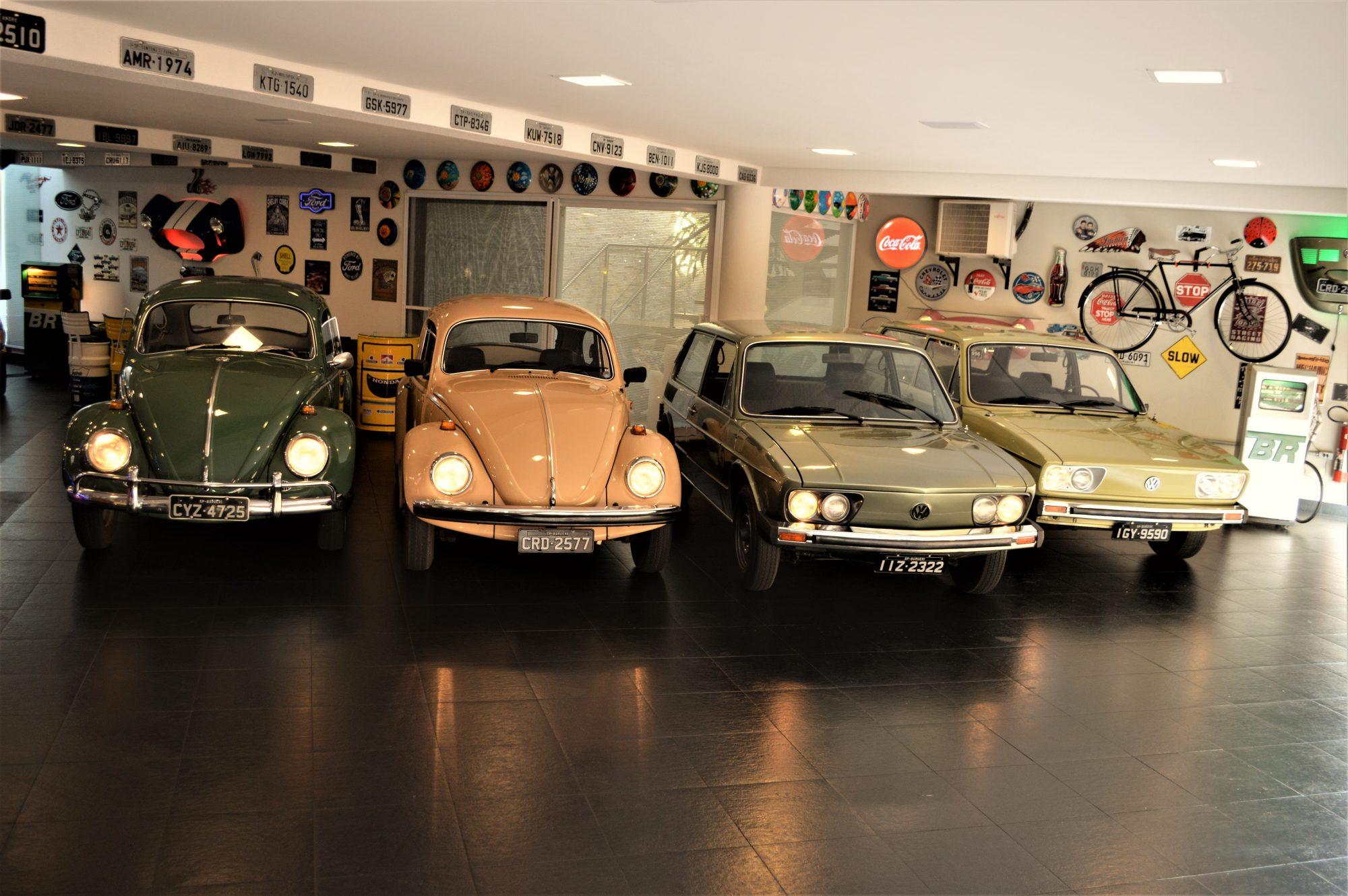 Á direita a VW Variant idêntica a da infãncia de Arruda