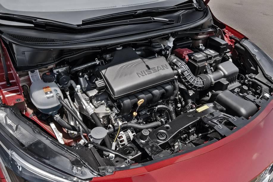 Motor 1.6 16V gera 114 cv e 15,5 kgfm, acoplado ao câmbio CVT de 6 marchas