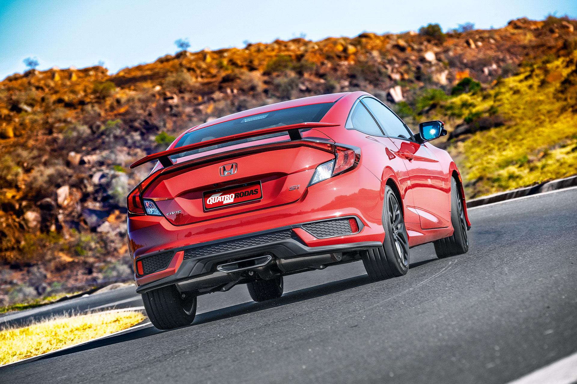 Honda Civic Si 2020 vermelho vista por trás