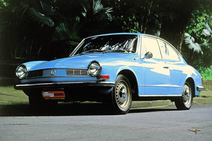 Karmann-Ghia-TC-azul-modelo-1973-de-Carlos-Dib.