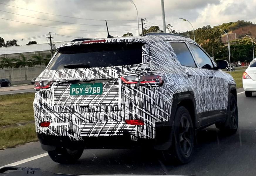 Flagra Jeep Compass 2021