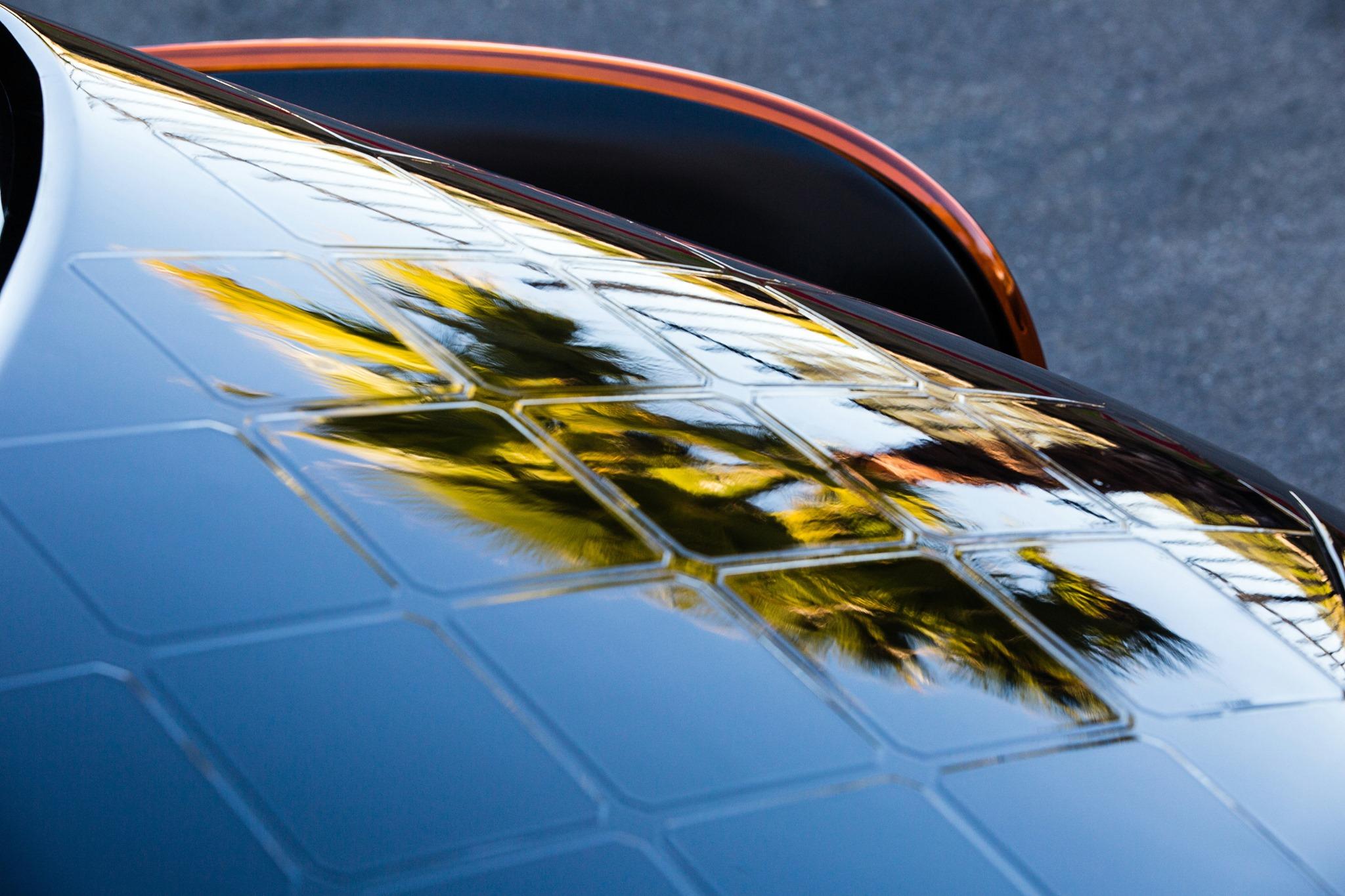 A carroceria 'absorve' os painéis fotovoltaicos como parte do design