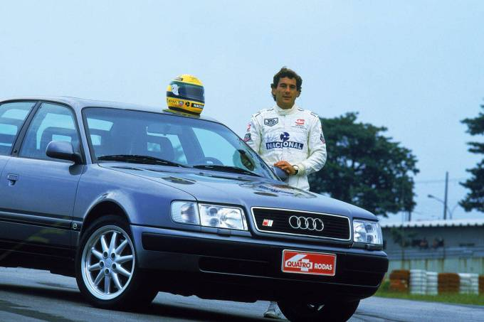 Ayrton-Senna-testando-o-Audi-S4-para-a-revista-Quatro-Rodas-no-autódromo-de-Int-e1607532533160