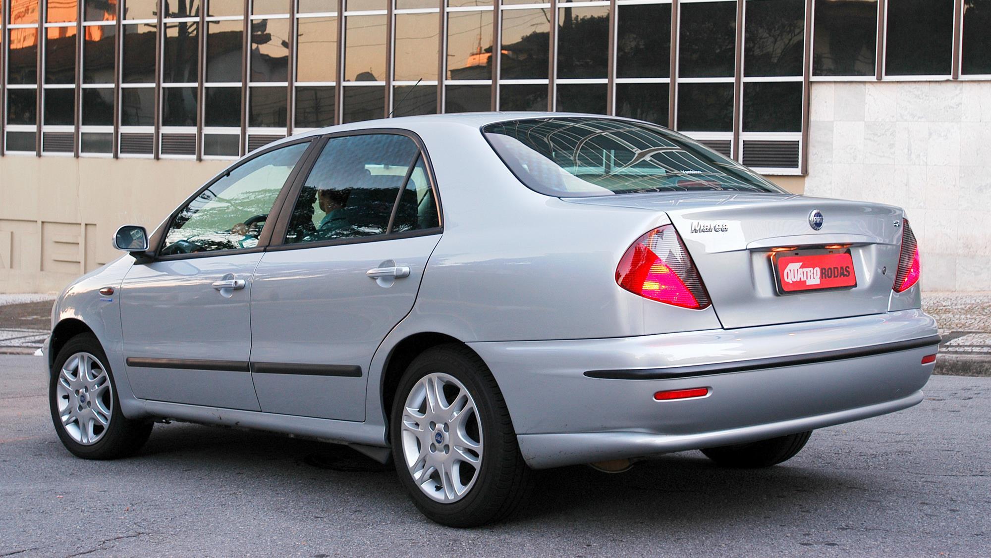 Marea SX 1.6 16V, modelo 2005 da Fiat, testado pela revista Quatro Rodas.