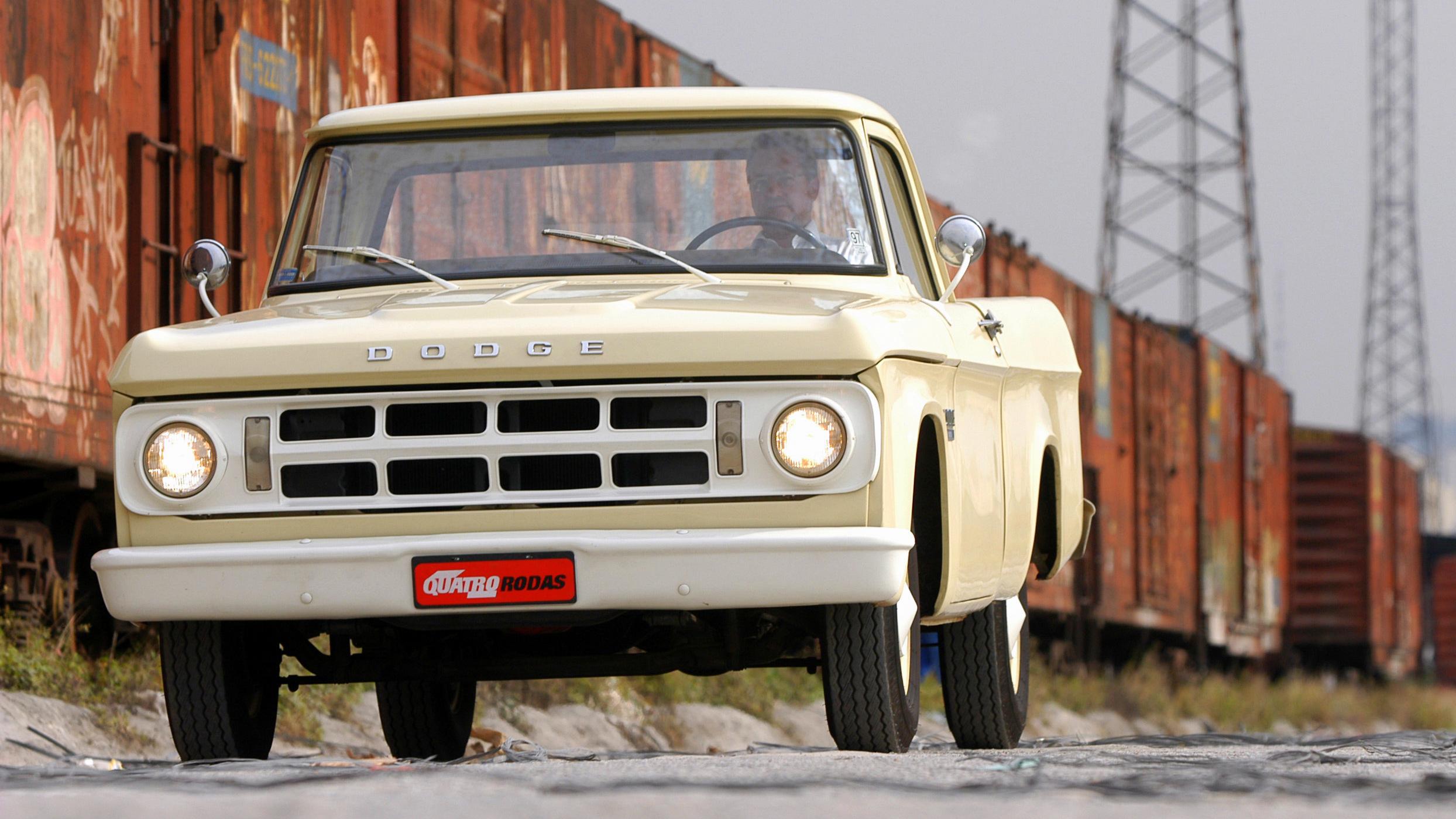 Picape Dodge D 100, ano 1970 da Chrysler, pertencente ao proprietario Fábio Stei