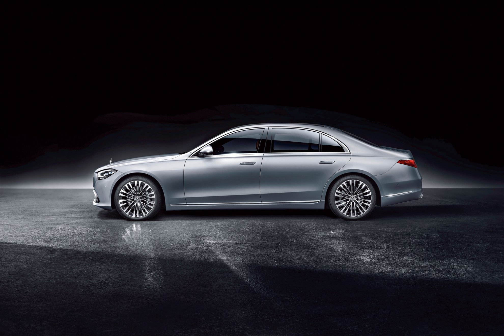 Mercedes-Benz S-Klasse, 2020, Studioaufnahme, Exterieur: Hightechsilber // Mercedes-Benz S-Class, 2020, studio shot, exterior: hightech silver