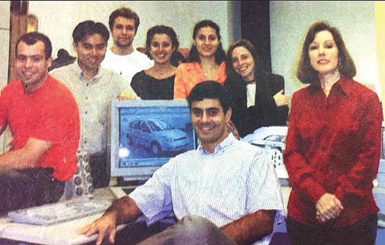 João com o time de design da Ford, formado em 2001, logo após sua contratação