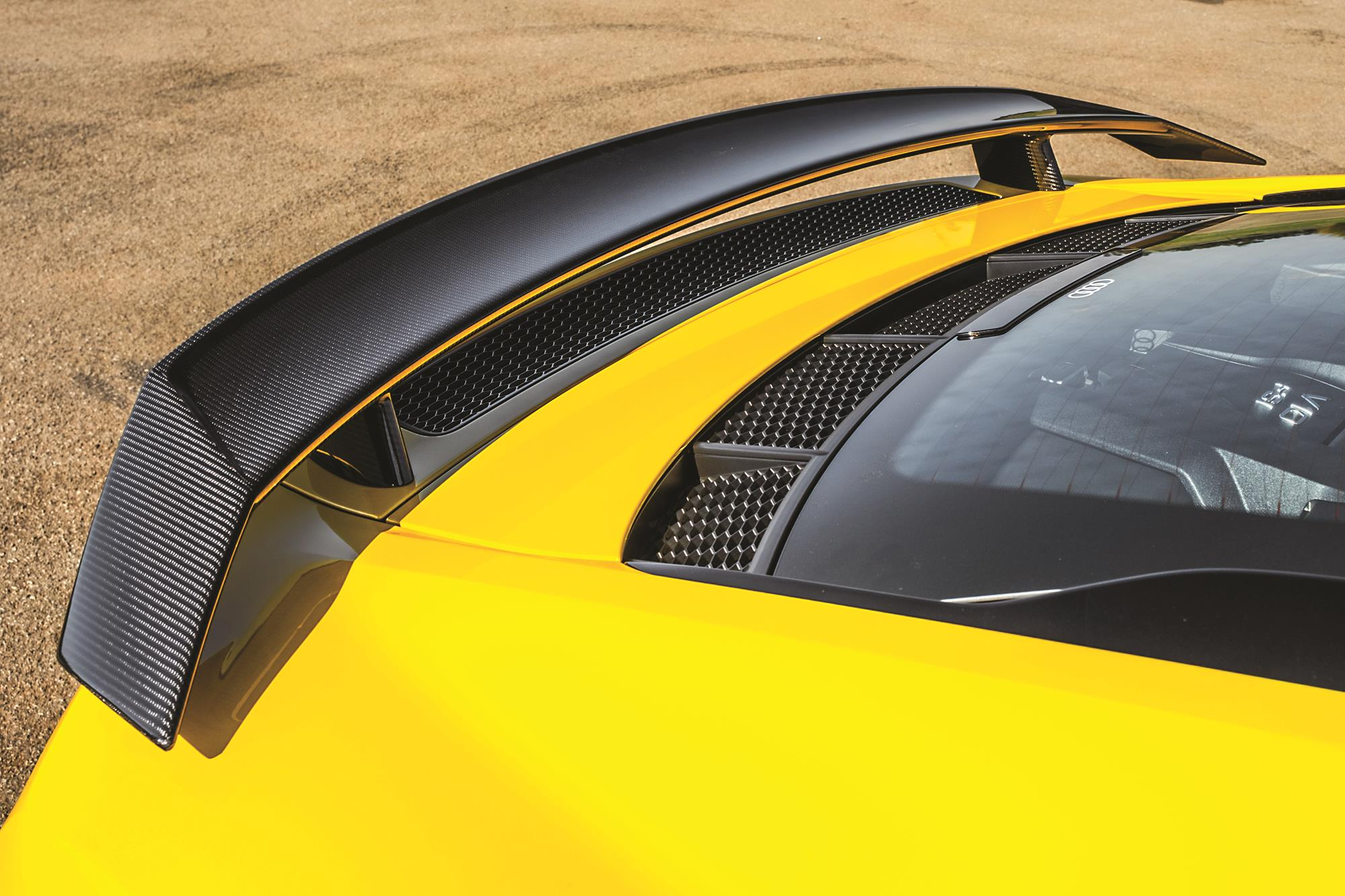 Audi R8 V10 Performance 2020 amarelo aerofólio