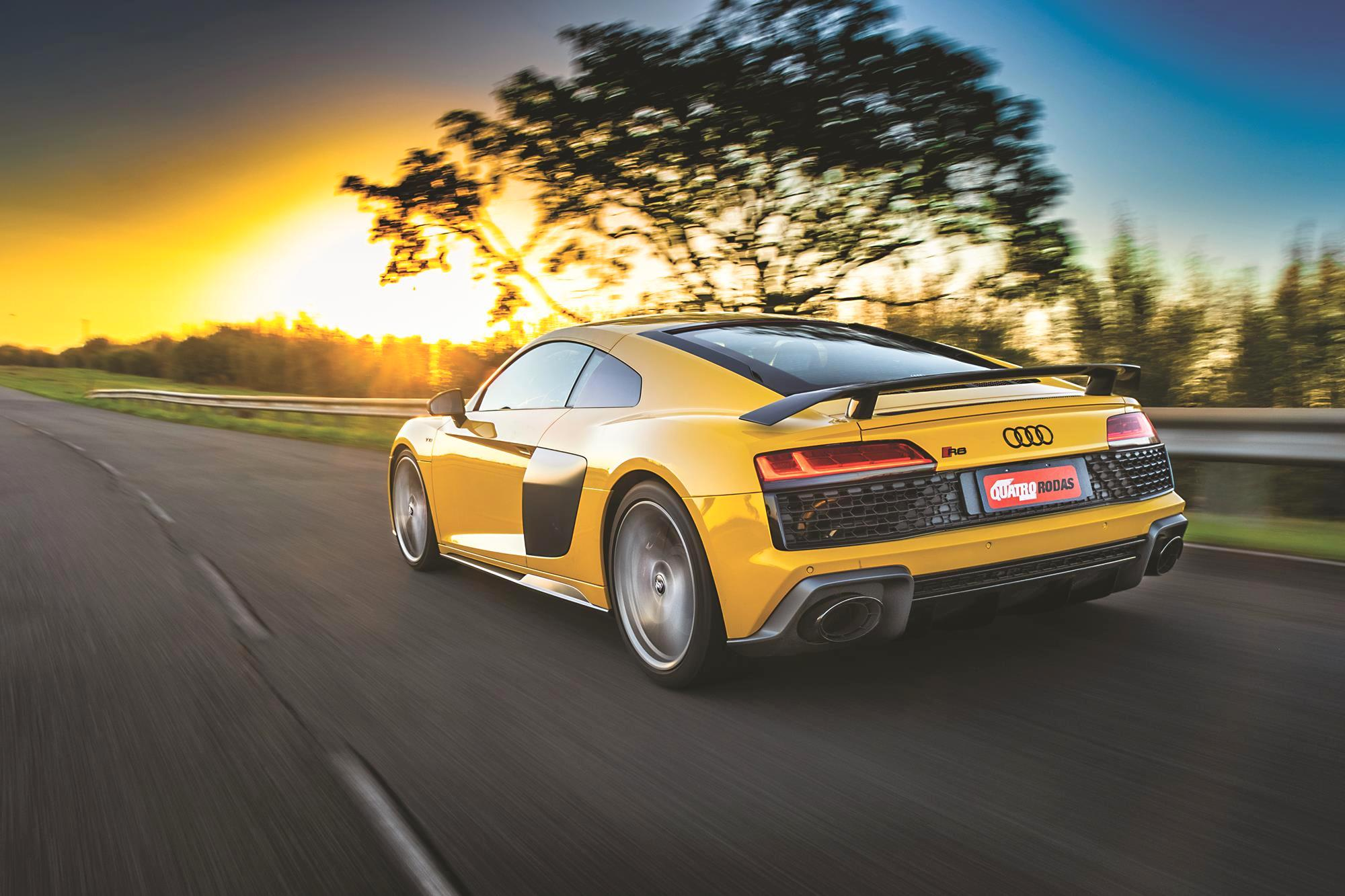 Audi R8 V10 Performance 2020 amarelo traseira