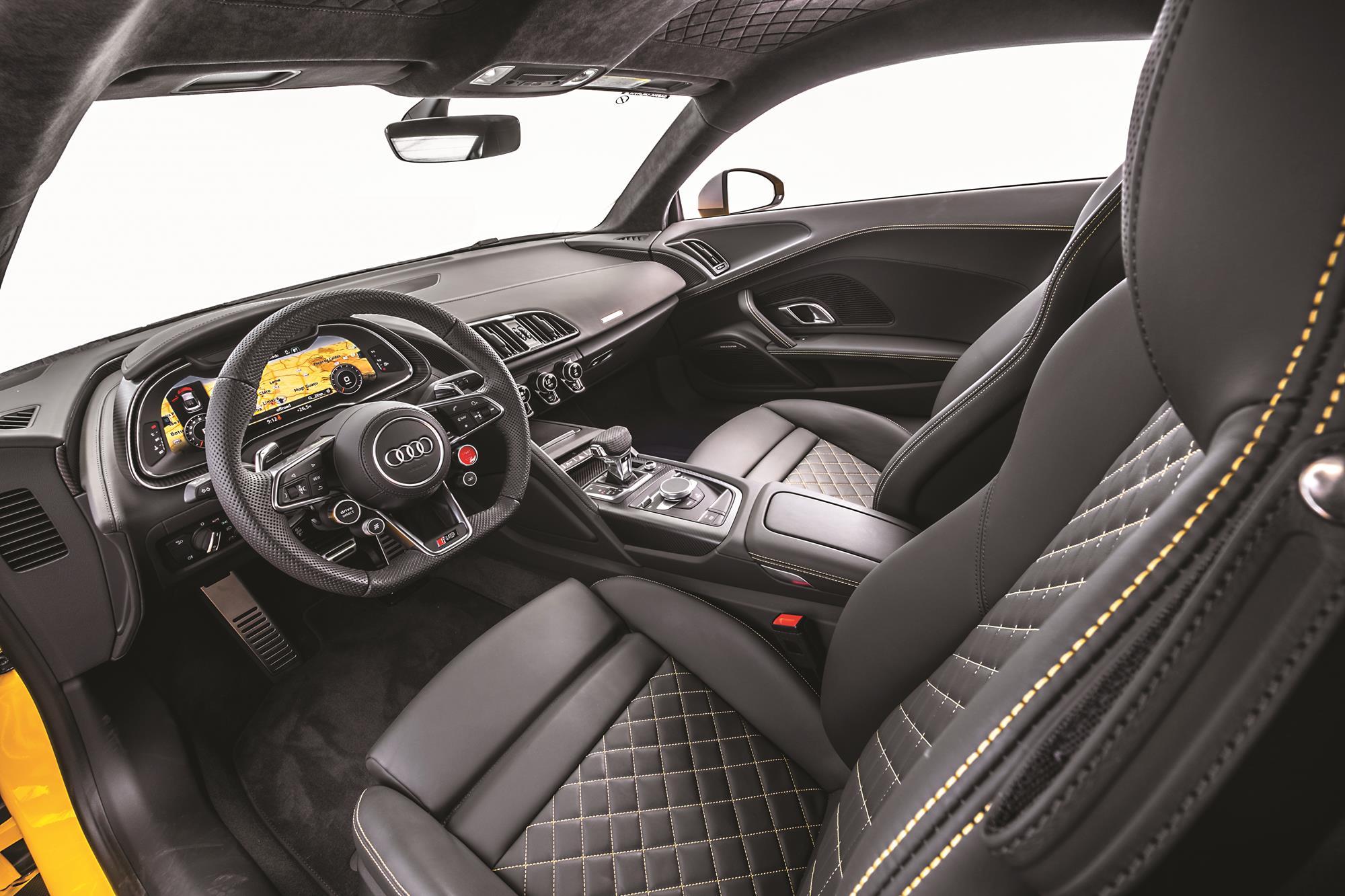 Audi R8 V10 Performance 2020 amarelo painel